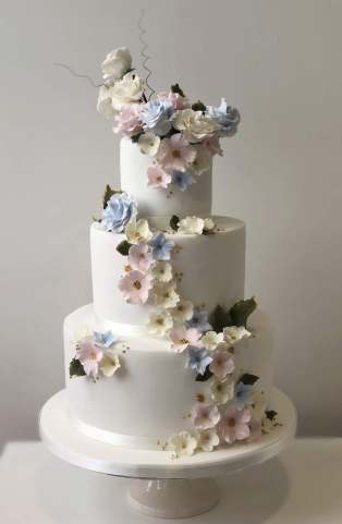 best supermarket wedding cake uk shop wedding cakes 11368