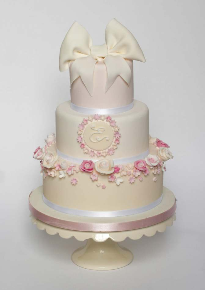 how to make 3 tiered wedding cake roses and bows 3 tier cake birthdays 15763