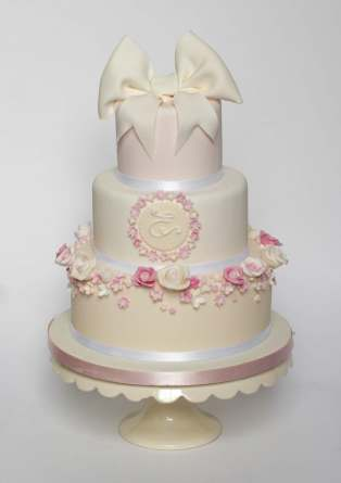 Roses And Bows 3 Tier Cake