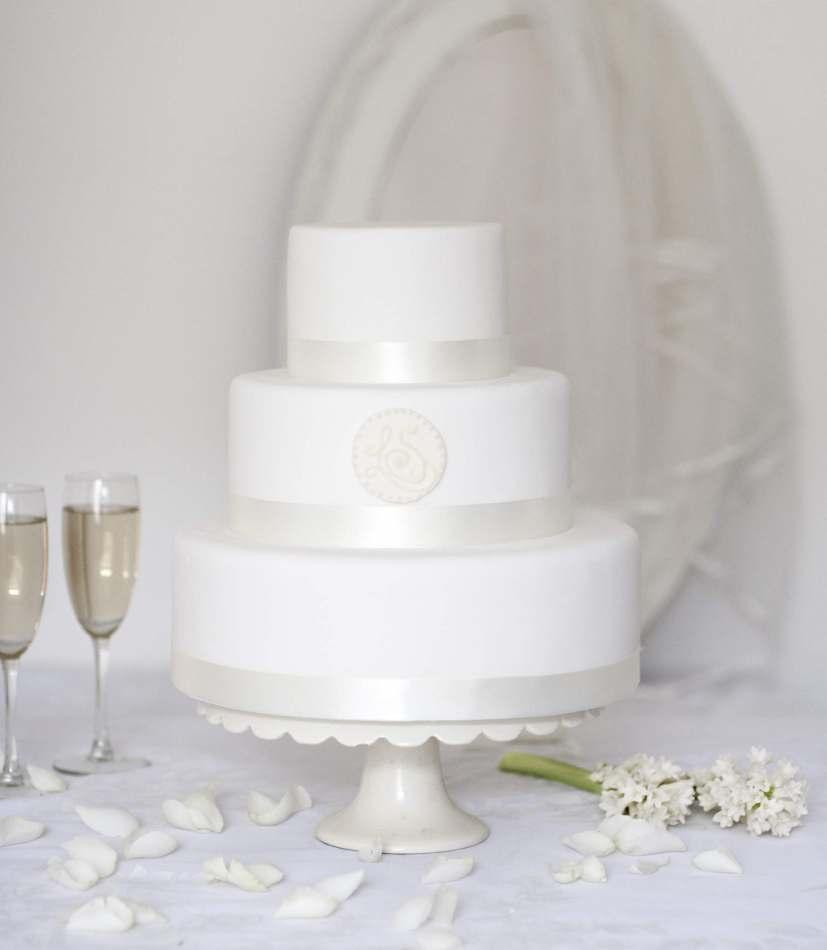 Plain Wedding Cakes Glasgow