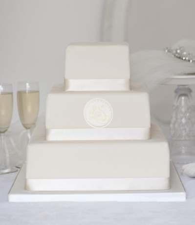 square buy online wedding cake with monogram wedding cakes. Black Bedroom Furniture Sets. Home Design Ideas