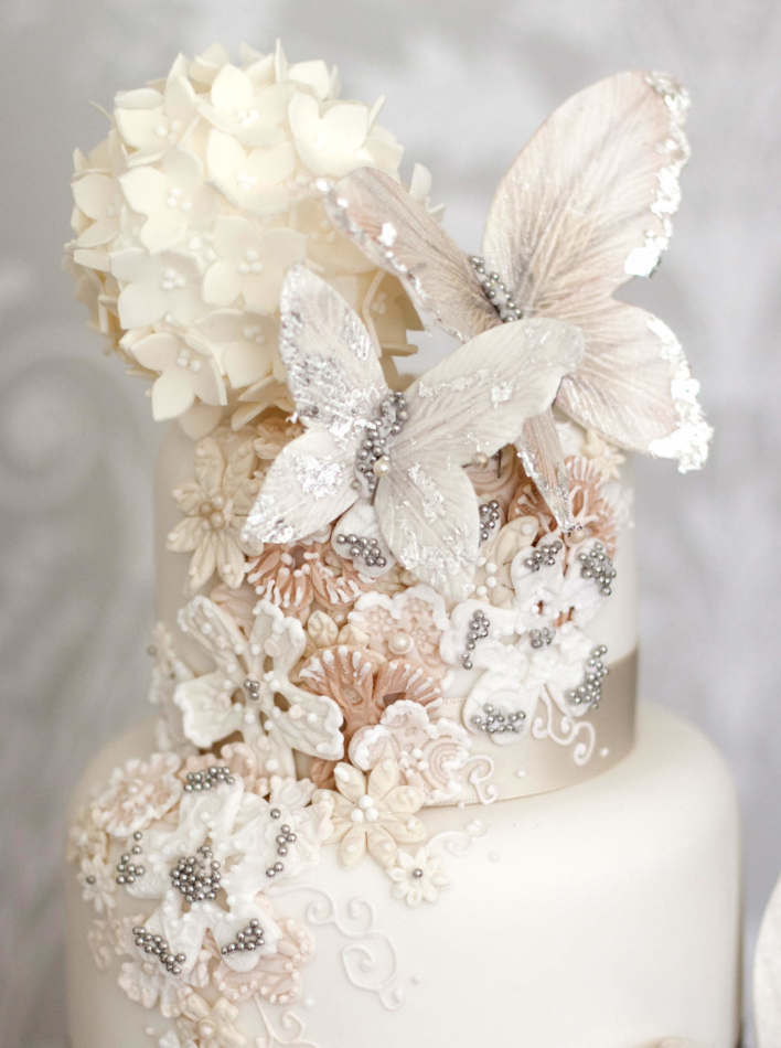 Aurora butterfly wedding cakes for Butterfly wedding