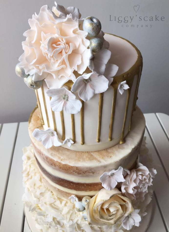 neapolitan wedding cake gold drip neapolitan wedding cakes 17797