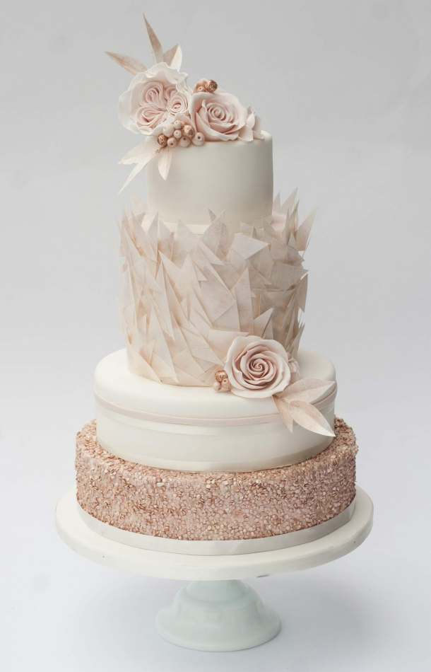 rose gold and cream wedding cake gold wedding cakes 19267